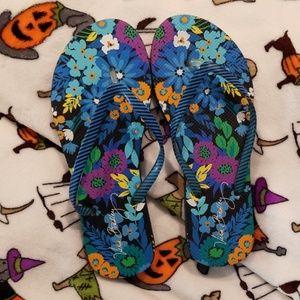 Vera Bradley Size 9-10 flip flops